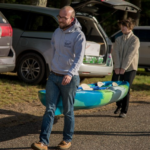 Dan and Taylor from the Aqualand Ale House  getting their kayak ready for the COED team division.